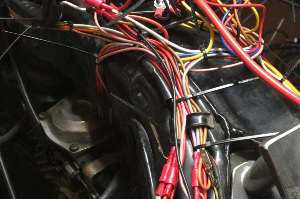 Yamaha XV750 SE - Laderegler Batterie
